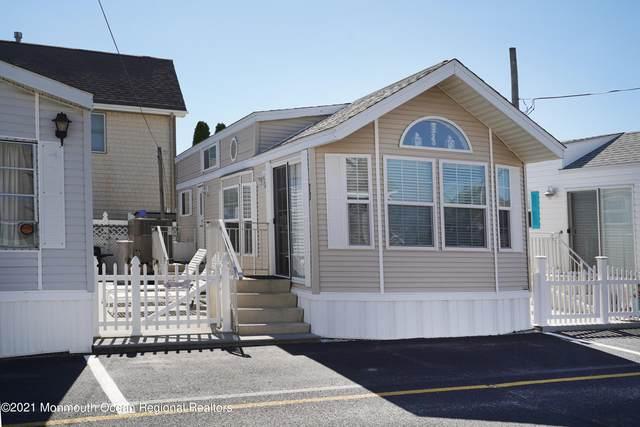 77 15th Street, Seaside Park, NJ 08752 (MLS #22133371) :: Kiliszek Real Estate Experts