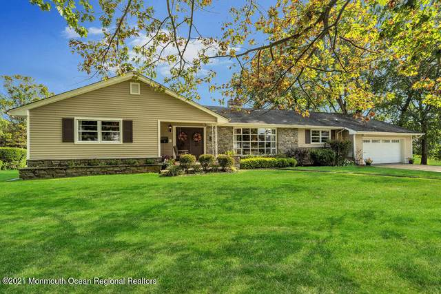 9 Mcelwaine Drive, Freehold, NJ 07728 (MLS #22133383) :: The MEEHAN Group of RE/MAX New Beginnings Realty