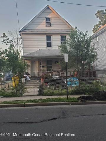 233 E 4th Street, Lakewood, NJ 08701 (MLS #22133489) :: The Sikora Group