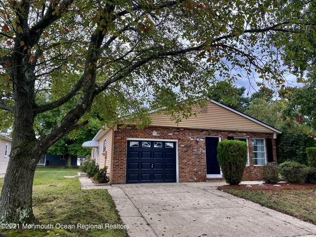 15 Beaumont Court, Toms River, NJ 08757 (MLS #22133819) :: The Sikora Group