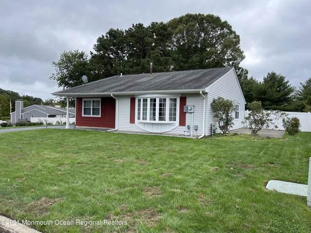 5 Pewter Drive, Tinton Falls, NJ 07753 (MLS #22134124) :: Kiliszek Real Estate Experts