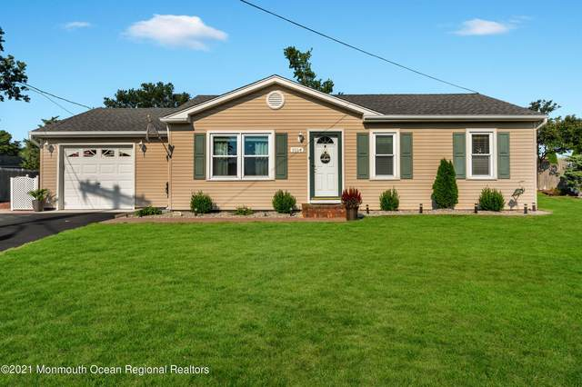 1014 E Panama Court, Forked River, NJ 08731 (MLS #22134919) :: The MEEHAN Group of RE/MAX New Beginnings Realty
