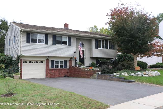 1 Gray Drive, South Plainfield, NJ 07080 (MLS #22134920) :: The MEEHAN Group of RE/MAX New Beginnings Realty