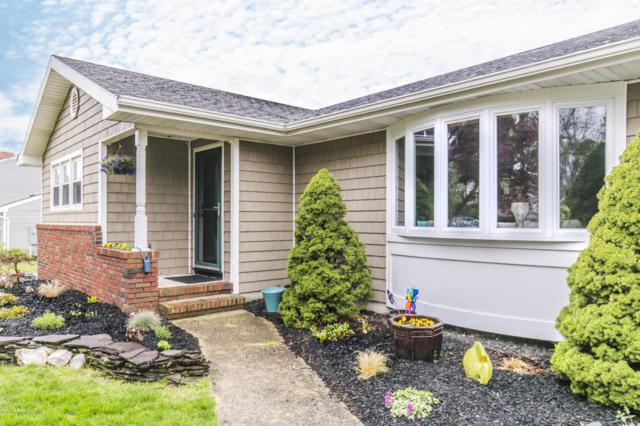 28 Yorkshire Drive, Toms River, NJ 08753 (MLS #21714954) :: The Dekanski Home Selling Team