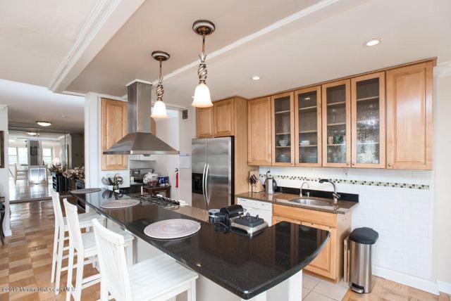 28 Riverside Avenue 12E, Red Bank, NJ 07701 (MLS #21720410) :: The Dekanski Home Selling Team