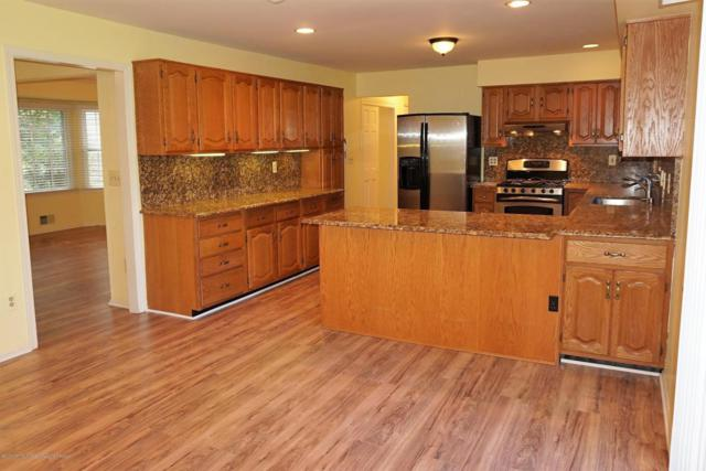 28 Redwood Lane, Freehold, NJ 07728 (MLS #21731749) :: The Dekanski Home Selling Team