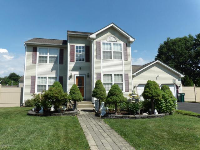 12 Crossbrooke Court, Howell, NJ 07731 (MLS #21824154) :: The Dekanski Home Selling Team