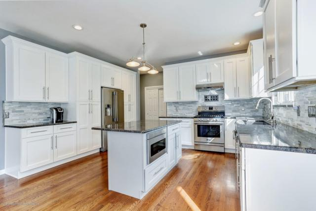 10 Canterbury Drive, Freehold, NJ 07728 (MLS #21841782) :: The MEEHAN Group of RE/MAX New Beginnings Realty