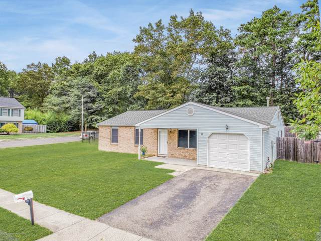 18 Constitution Drive, Howell, NJ 07731 (MLS #21938424) :: The MEEHAN Group of RE/MAX New Beginnings Realty