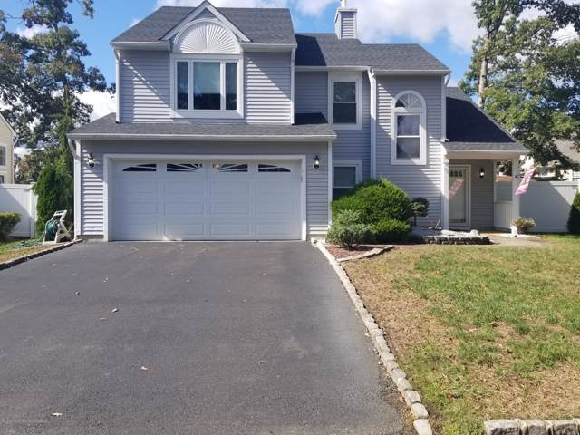 32 Rosewood Drive, Howell, NJ 07731 (MLS #21939699) :: The MEEHAN Group of RE/MAX New Beginnings Realty