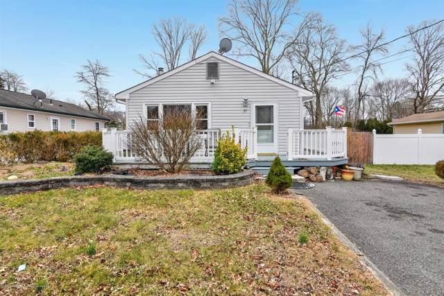 37 Smith Street, Howell, NJ 07731 (MLS #21948472) :: William Hagan Group