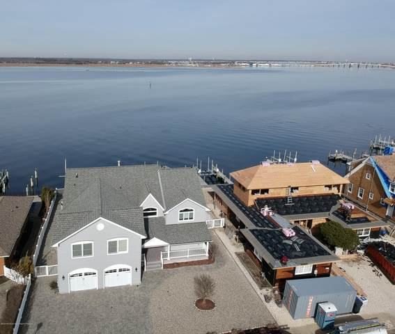 267 Curtis Point Drive, Mantoloking, NJ 08738 (MLS #22001503) :: The MEEHAN Group of RE/MAX New Beginnings Realty