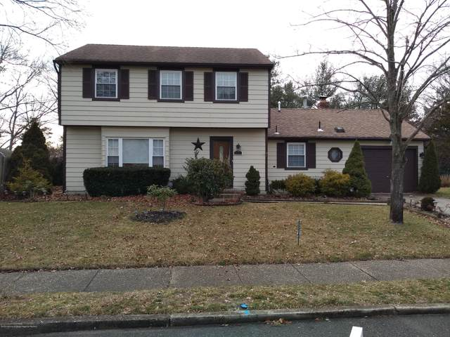 318 Ashford Road, Toms River, NJ 08755 (MLS #22004914) :: The MEEHAN Group of RE/MAX New Beginnings Realty