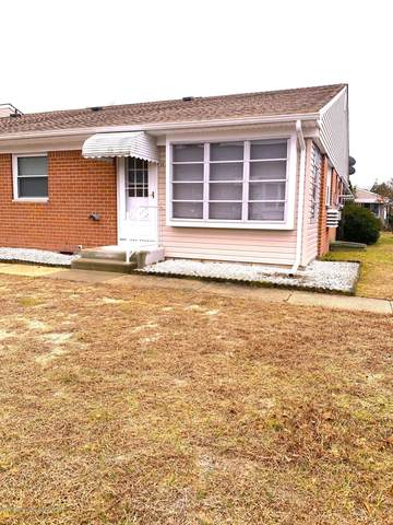 11 Potomac Lane A, Whiting, NJ 08759 (MLS #22006236) :: The Dekanski Home Selling Team