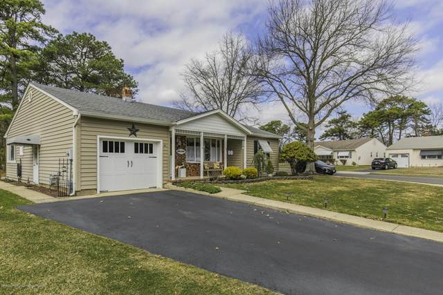 2 Caldwell Court, Toms River, NJ 08757 (MLS #22010725) :: The Premier Group NJ @ Re/Max Central