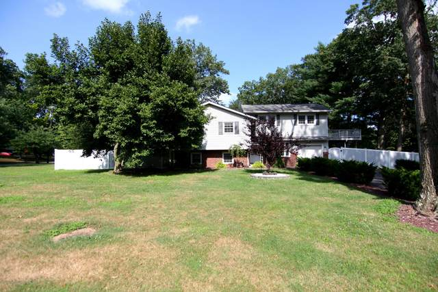 26 Holiday Road, Manalapan, NJ 07726 (MLS #22010837) :: The MEEHAN Group of RE/MAX New Beginnings Realty