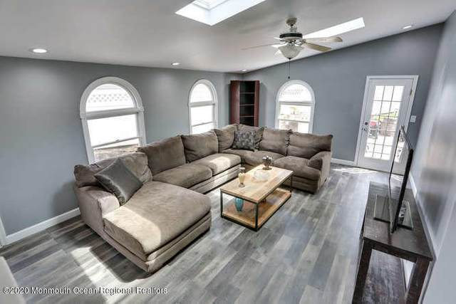 16 Woodlawn Circle, Keyport, NJ 07735 (#22014411) :: Daunno Realty Services, LLC