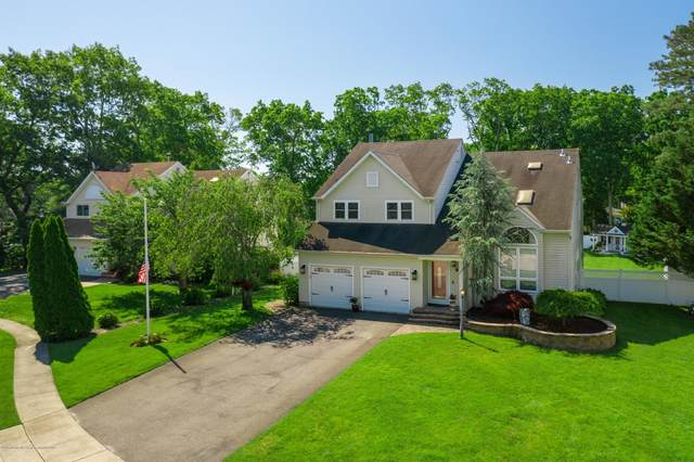 2103 Oak Knoll Drive, Manchester, NJ 08759 (MLS #22017958) :: Kiliszek Real Estate Experts