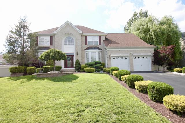 8 Churchill Court, Jackson, NJ 08527 (MLS #22024313) :: The MEEHAN Group of RE/MAX New Beginnings Realty