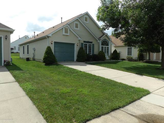 8 Dexter Lane, Jackson, NJ 08527 (MLS #22025436) :: The CG Group | RE/MAX Real Estate, LTD