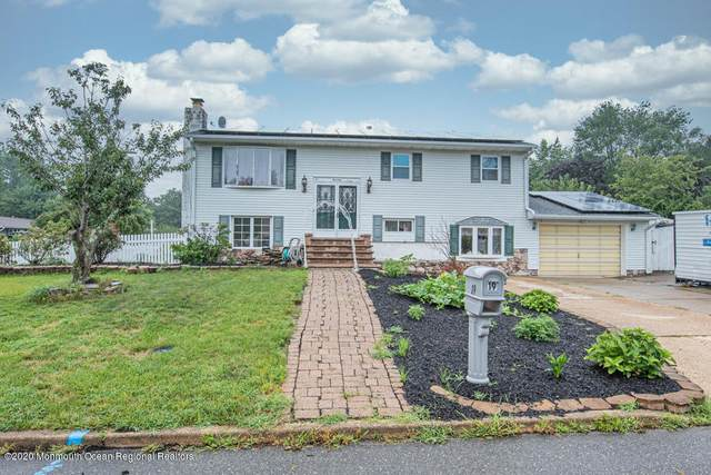 19 Beacon Street, Jackson, NJ 08527 (MLS #22025865) :: William Hagan Group