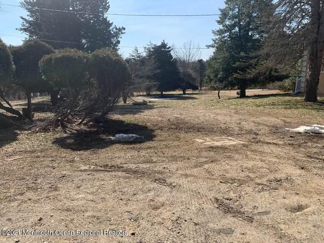 130 Pine Brook Road, Manalapan, NJ 07726 (MLS #22036187) :: William Hagan Group