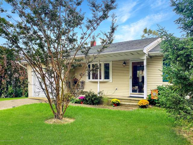 131 Silver Bay Road, Toms River, NJ 08753 (MLS #22036872) :: The MEEHAN Group of RE/MAX New Beginnings Realty