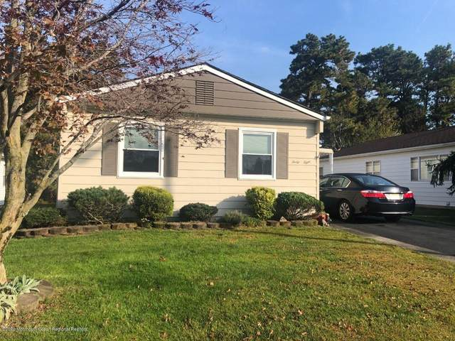38 Santiago Drive W, Toms River, NJ 08757 (MLS #22037378) :: The MEEHAN Group of RE/MAX New Beginnings Realty
