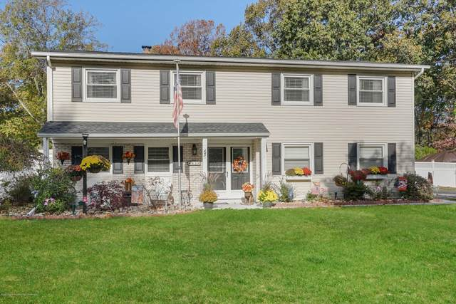 63 Guest Drive, Morganville, NJ 07751 (MLS #22039060) :: Caitlyn Mulligan with RE/MAX Revolution