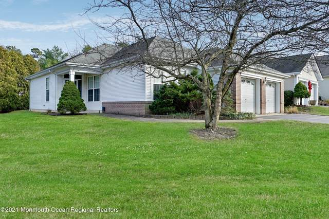 25 Summerwinds Drive, Lakewood, NJ 08701 (MLS #22043667) :: The DeMoro Realty Group | Keller Williams Realty West Monmouth