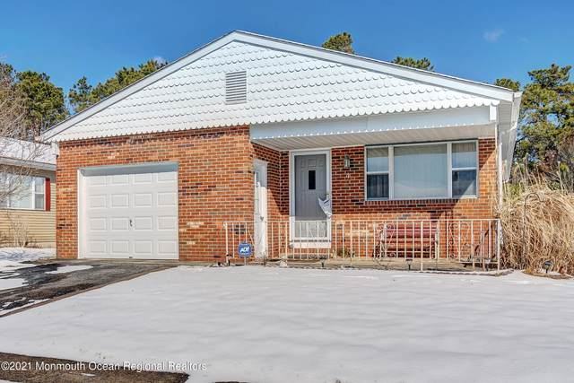 4 Santiago Drive W, Toms River, NJ 08757 (MLS #22104941) :: The Sikora Group