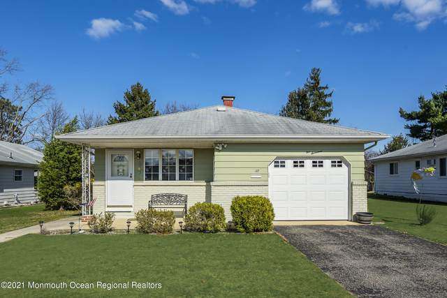 117 Guadeloupe Drive, Toms River, NJ 08757 (MLS #22109380) :: The CG Group   RE/MAX Revolution