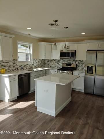 19 Canterbury Lane, Toms River, NJ 08757 (MLS #22109833) :: Provident Legacy Real Estate Services, LLC
