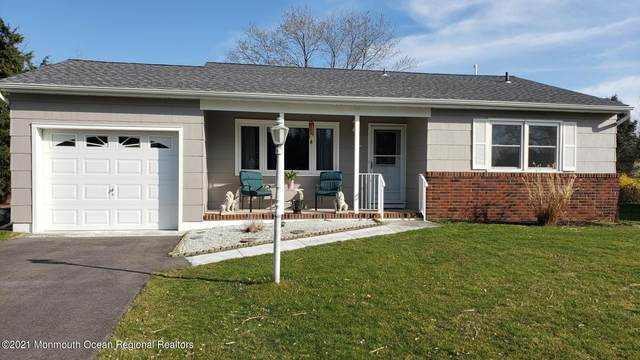 5 Cobham Court, Toms River, NJ 08757 (MLS #22110611) :: The DeMoro Realty Group | Keller Williams Realty West Monmouth