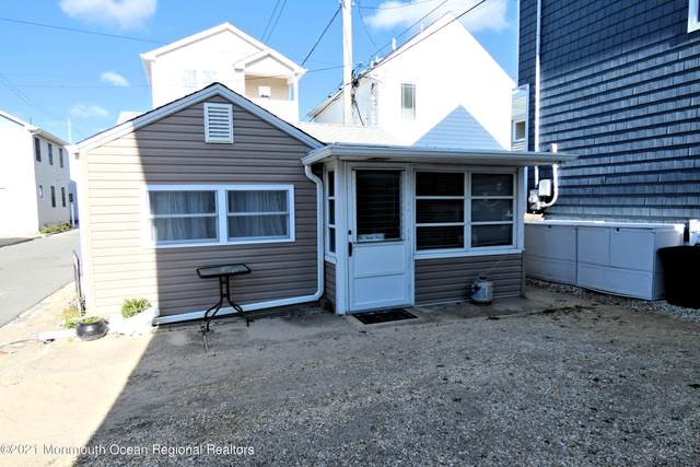 18 E Shore Way, Lavallette, NJ 08735 (MLS #22111267) :: William Hagan Group
