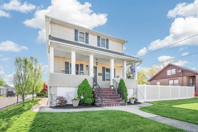 7 Outlook Avenue, Sayreville, NJ 08872 (MLS #22112749) :: The MEEHAN Group of RE/MAX New Beginnings Realty