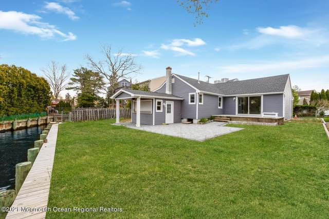 20 Sage Road, Toms River, NJ 08753 (MLS #22113468) :: The MEEHAN Group of RE/MAX New Beginnings Realty