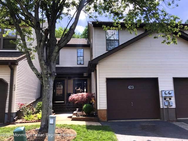 423 Oak Knoll Drive, Manalapan, NJ 07726 (MLS #22113851) :: PORTERPLUS REALTY