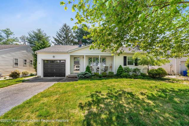 20 Nostrand Drive, Toms River, NJ 08757 (MLS #22115746) :: Caitlyn Mulligan with RE/MAX Revolution