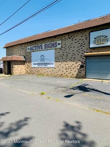71 Irving Place, Belford, NJ 07718 (MLS #22116032) :: The MEEHAN Group of RE/MAX New Beginnings Realty
