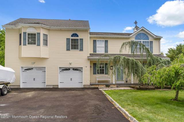 978 Feathertree Drive, Toms River, NJ 08753 (MLS #22116814) :: Caitlyn Mulligan with RE/MAX Revolution