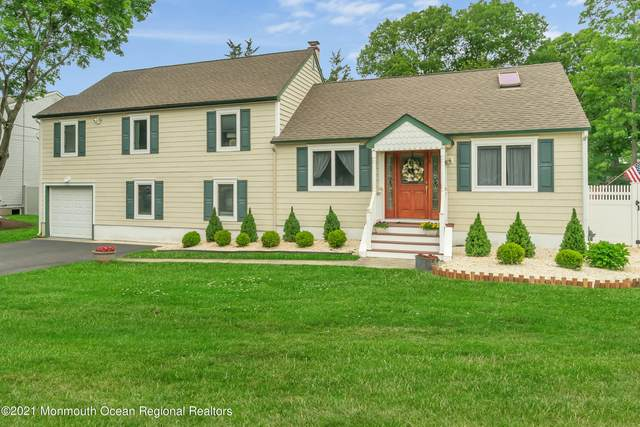 882 W Briar Avenue, Toms River, NJ 08753 (MLS #22117182) :: The MEEHAN Group of RE/MAX New Beginnings Realty