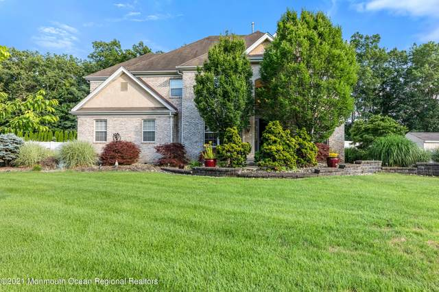 17 Greenwich Drive, Jackson, NJ 08527 (MLS #22117438) :: The MEEHAN Group of RE/MAX New Beginnings Realty