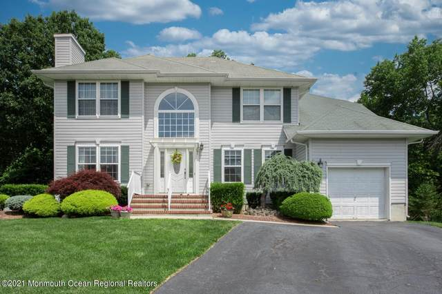 47 Heritage Drive, Englishtown, NJ 07726 (MLS #22119129) :: The MEEHAN Group of RE/MAX New Beginnings Realty