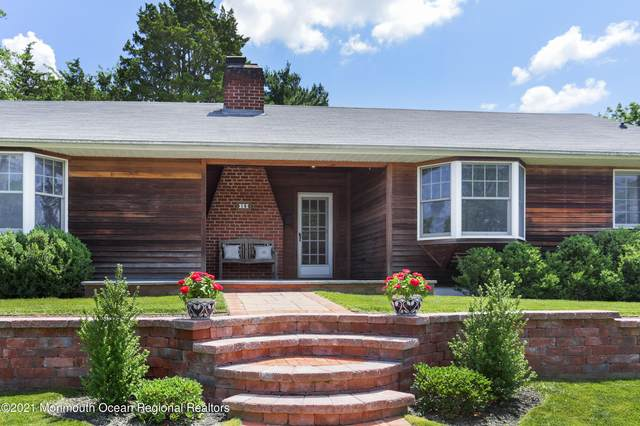 18 East Drive, Toms River, NJ 08753 (MLS #22121475) :: The MEEHAN Group of RE/MAX New Beginnings Realty