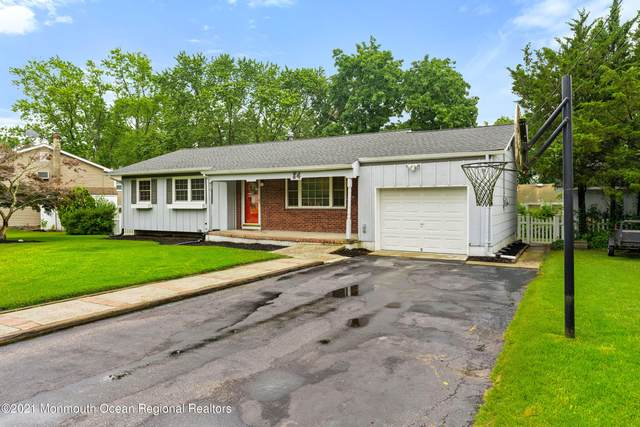 84 Curtis Place, Toms River, NJ 08753 (MLS #22121682) :: The MEEHAN Group of RE/MAX New Beginnings Realty