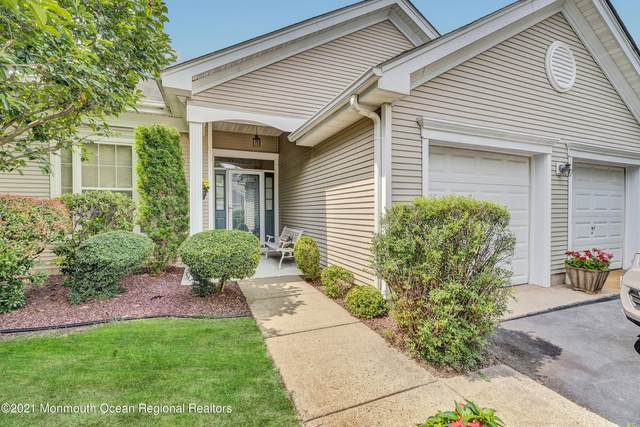 7 Amberwinds Court, Lakewood, NJ 08701 (MLS #22122649) :: The MEEHAN Group of RE/MAX New Beginnings Realty