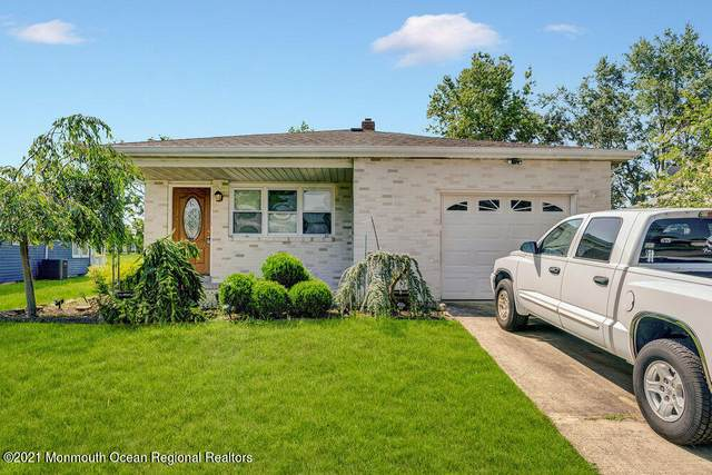 15 Bonaire Drive, Toms River, NJ 08757 (MLS #22123133) :: The MEEHAN Group of RE/MAX New Beginnings Realty