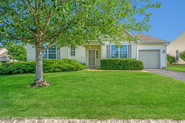 1 Carriage Road, Whiting, NJ 08759 (MLS #22123279) :: The CG Group | RE/MAX Revolution