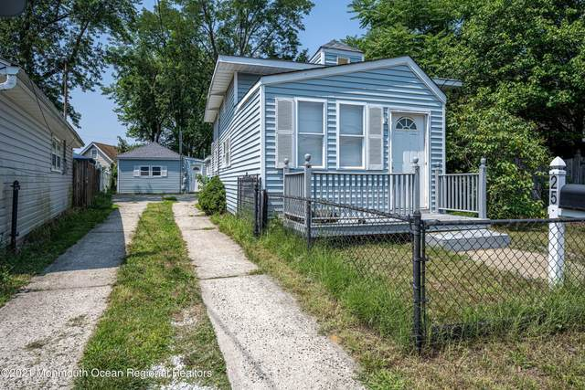 25 Kentucky Avenue, North Middletown, NJ 07748 (MLS #22124914) :: The MEEHAN Group of RE/MAX New Beginnings Realty